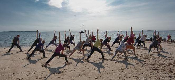 viajar-en-grupo-yoga