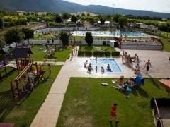 Vacaciones gratis para familias en el paro |Bungalow feliz