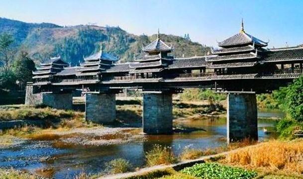 Puente-del-viento-y-la-lluvia-China_thumb.jpg