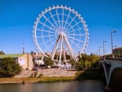 Fallas 2014 | se instala en Valencia la noria móvil más alta de Europa