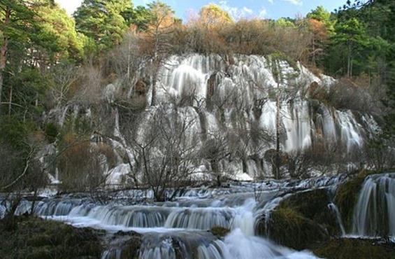 cascadas-espectaculares-rio-cuervo_thumb.jpg