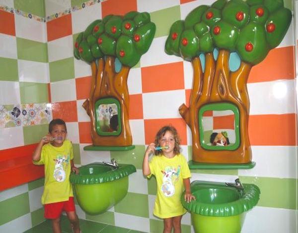 camping-don-cactus-baños-infantiles