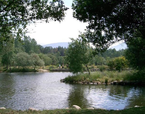 piscinas-naturales-en-madrid-lozoya