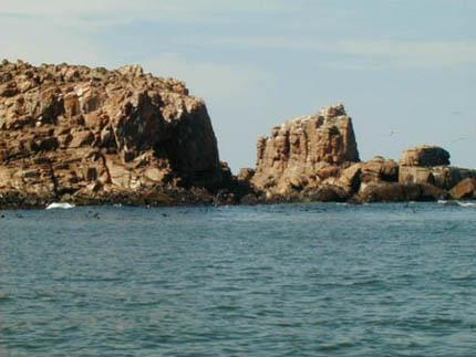 isla-de-lobos-saliente-rocosa.jpg